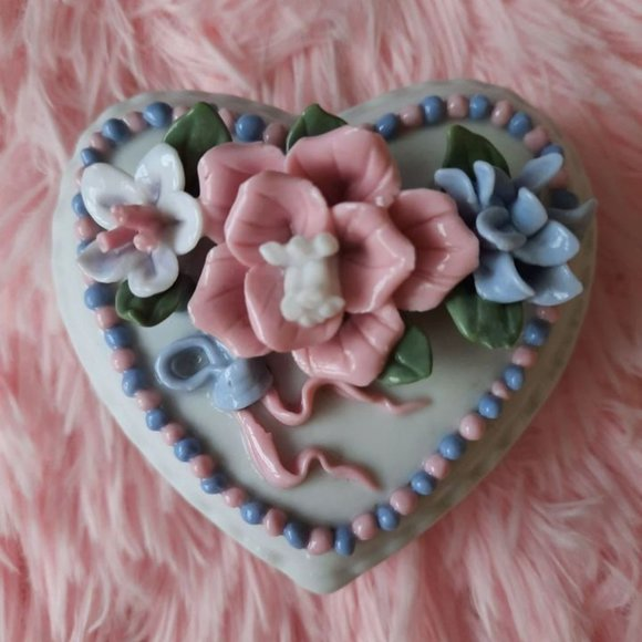 Pastel Heart Shaped Floral Trinket Ring Box